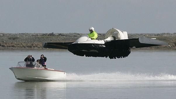 Το hovercraft που πετάει!!