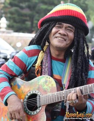 PGP: Foto / Gambar / Photo Mbah Surip & Bob Marley ...