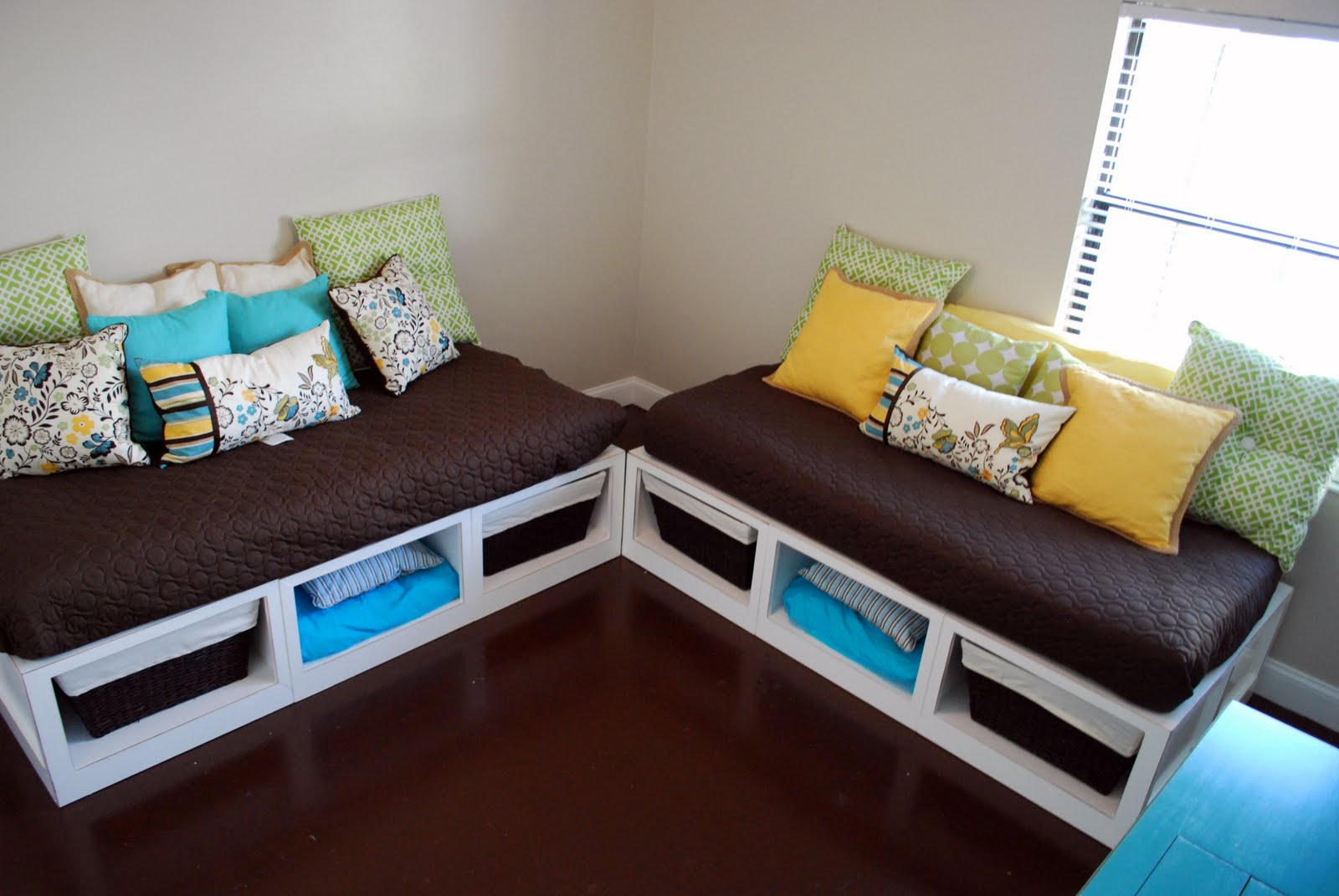 Remodelaholic | Building Your Own Daybeds