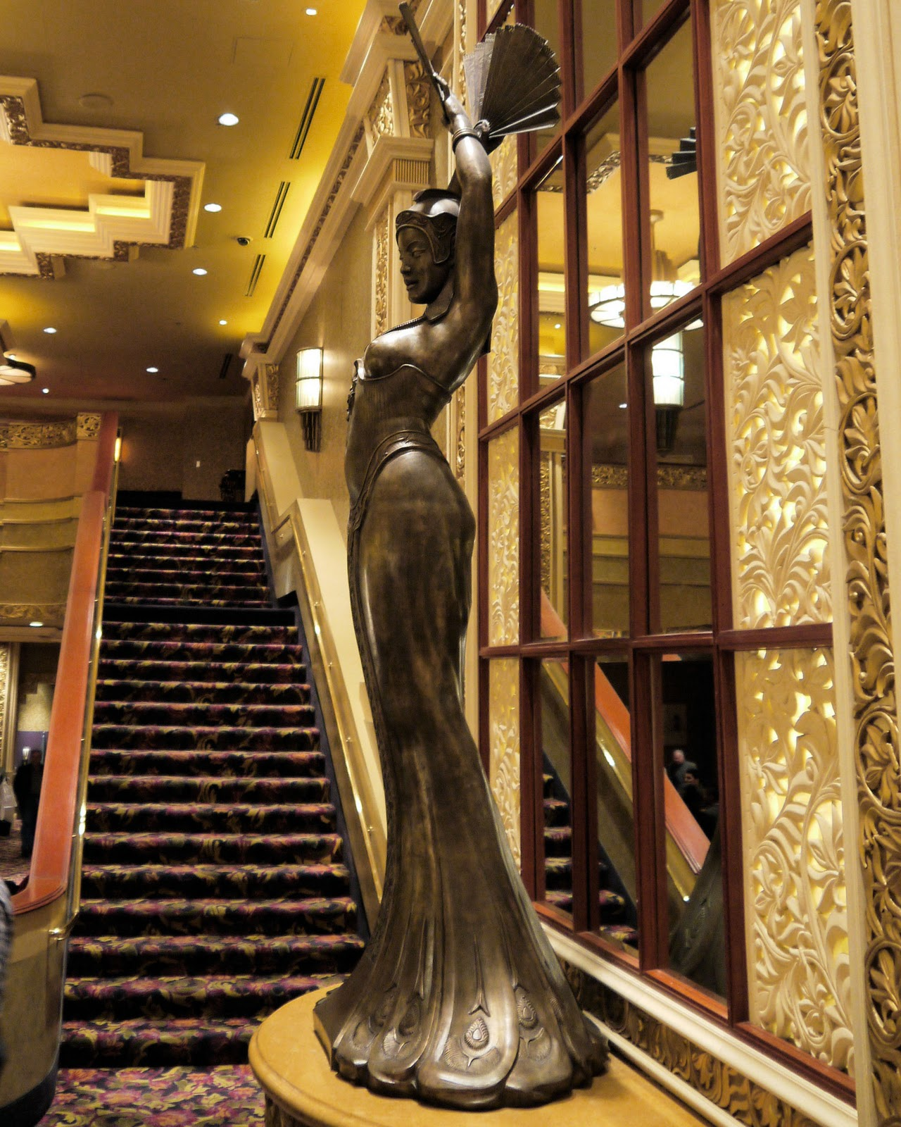 Mandalay Bay 2 Bedroom Suite: Ken's Photo Gallery: The Lion King Theater At Mandalay Bay