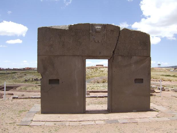 Clare' Trip 2010-2011 Tiwanaku
