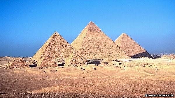 Wonders Of The World The Pyramids Of Giza 2600 2500 B C Egypt