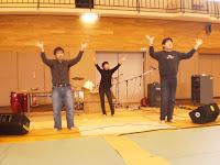 学生3人、手話歌熱唱中