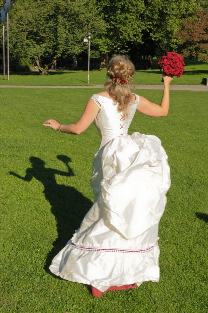 Hertzwerk - Freiburg: Gründerzeit - Viktorianisches Brautkleid ...