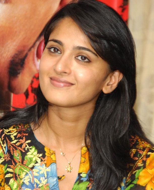 Indian Tamil Masala: Cute Anushka At Singam Movie Pic