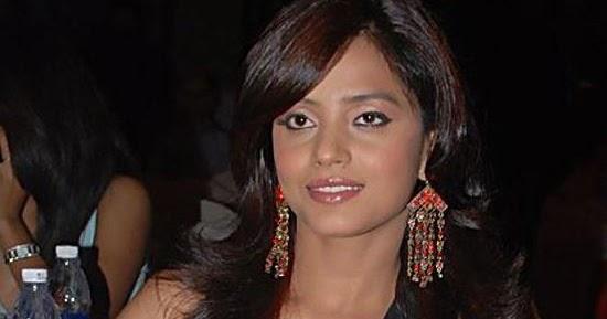 Tamilzone: Neetu Chandra Hot Images