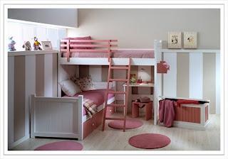 cama alta y baja cruzada blanca y rosa