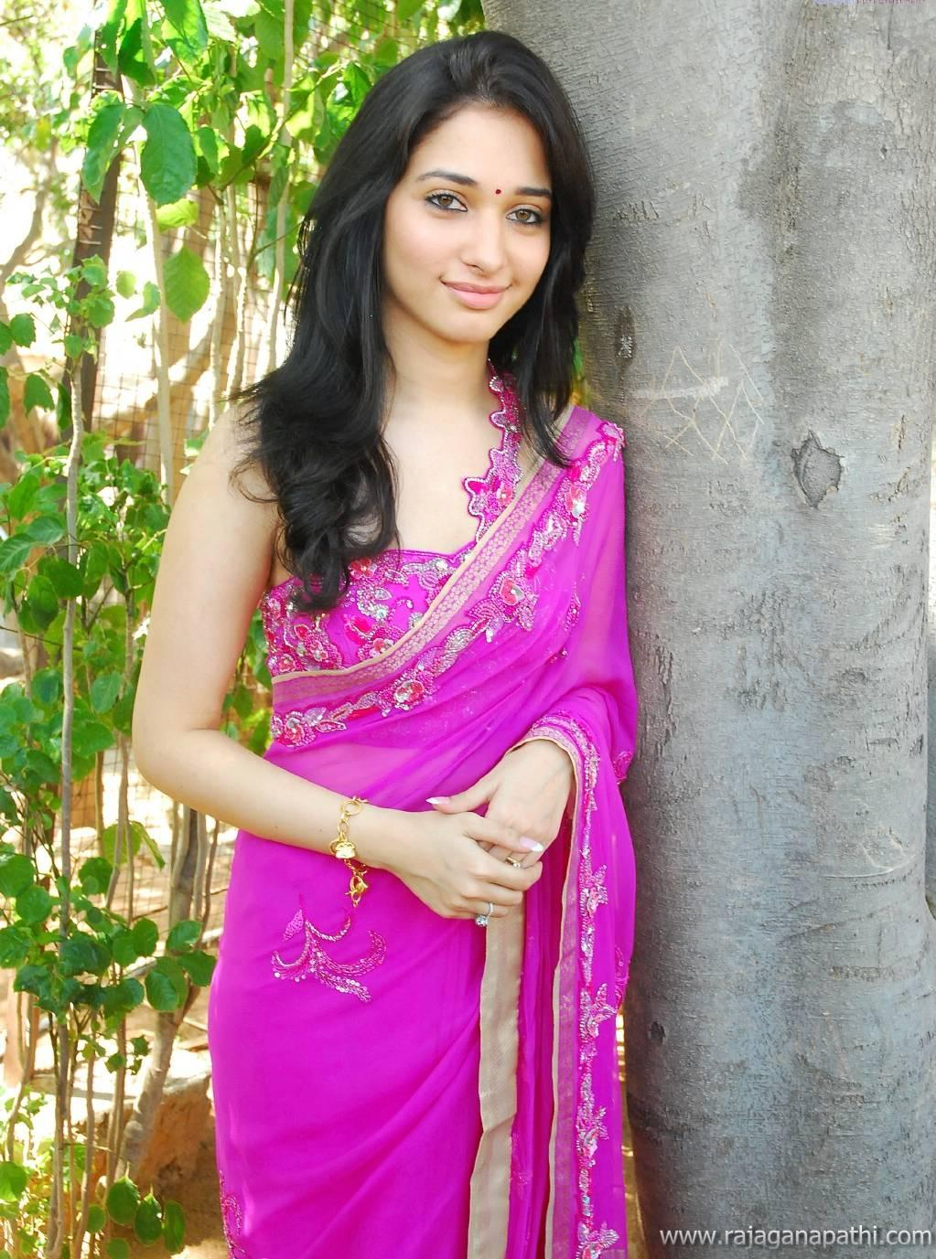 SOUTH ACTRESS TAMANNA BHATIA IN SAREE HOT LATEST PHOTO