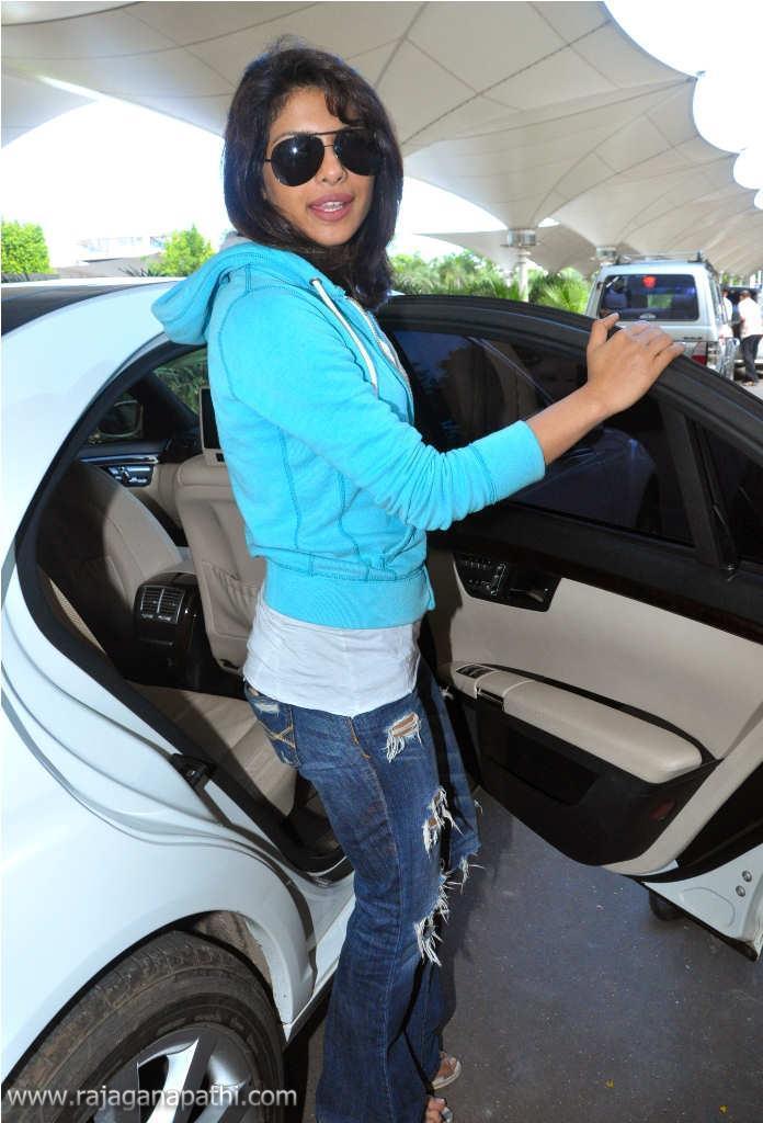 Bollywood Actress Priyanka Chopra Real Life Stills -2373