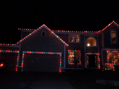 Best Way To Hang Christmas Lights Around Garage Door