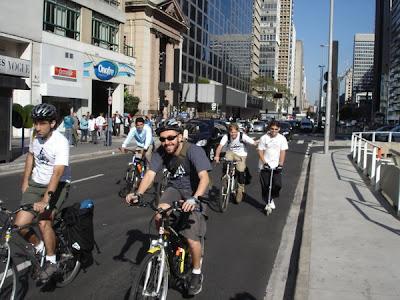http://euvouvoando.blogspot.com/2008_09_01_archive.html