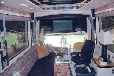 Luxury Buses: Travel In Comfort (30) 30