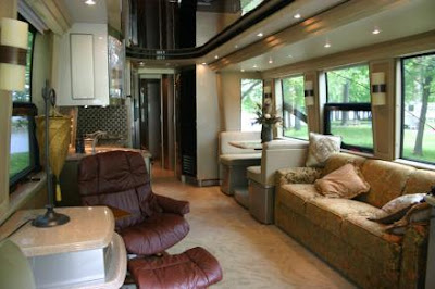 Luxury Buses: Travel In Comfort (30) 19