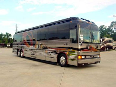 Luxury Buses: Travel In Comfort (30) 20