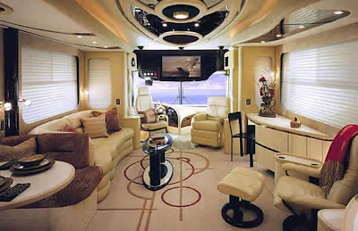 Luxury Buses: Travel In Comfort (30) 9