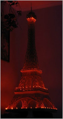 Eiffel Tower made from matchsticks (4) 4