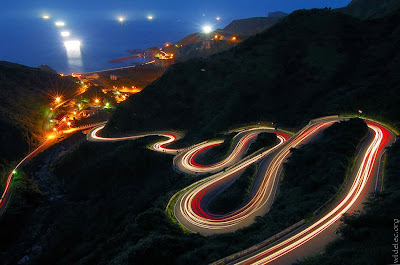 Amazing Light Trail Photographs (11) 10