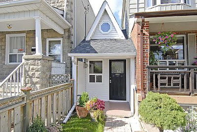 The Little House - Toronto's Smallest House (6) 1
