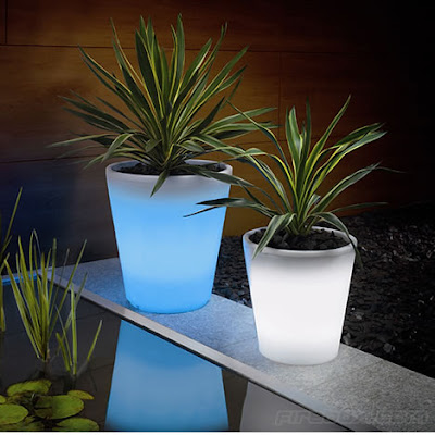 Top Solar Powered Gadgets and Gifts - Solar Powered Planter (20) 7