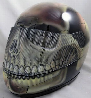20 Cool and Creative Motorcycle Helmet Designs (20) 18