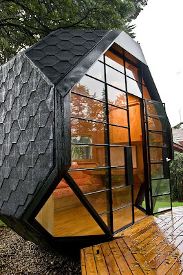 A Beautiful Compact House for your Backyard (6) 3
