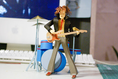 Cool and Creative Paper Made Musicians (6) 5