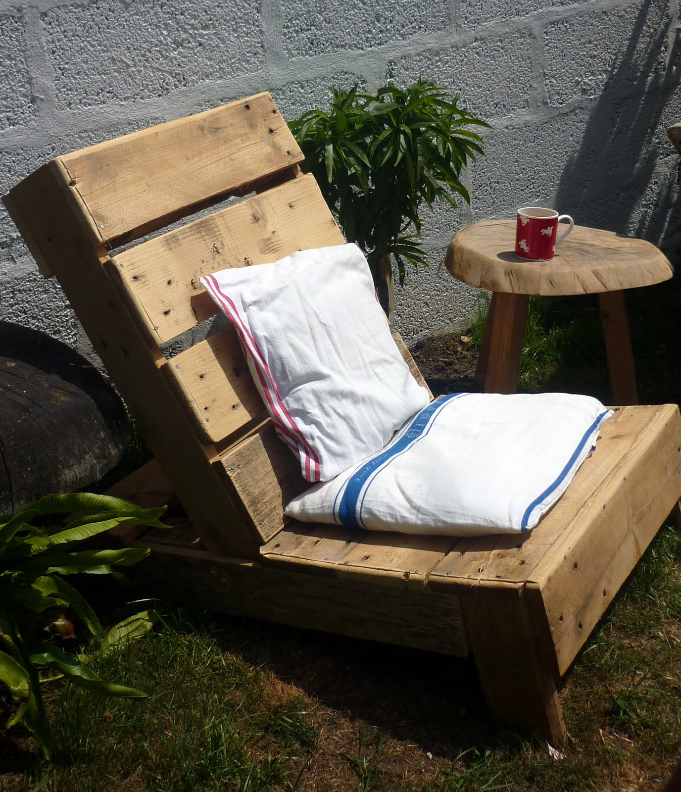 Pallet Chair: Sixty One A: Upcycled Pallet Chair