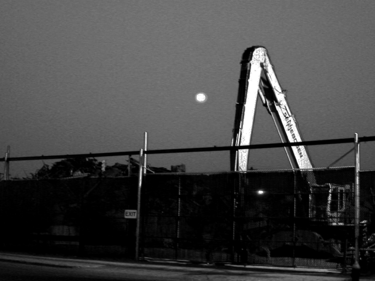 Architectura St Louis Moonrise Over South Broadway She S Not A