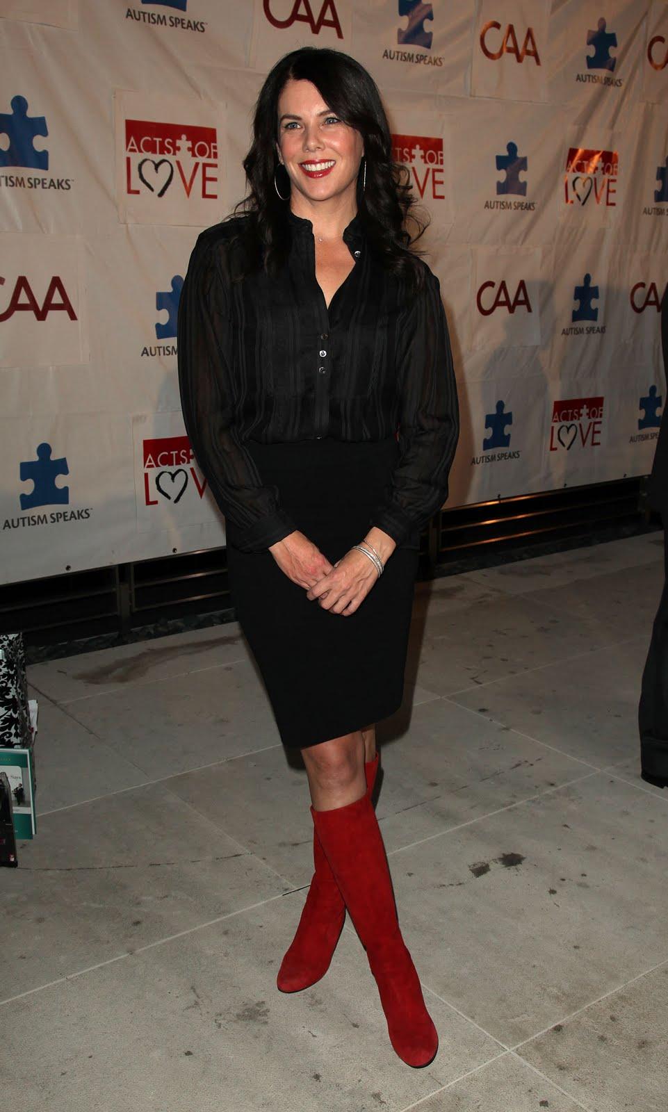 Lauren graham in sexy boots