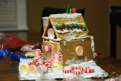 gingerbread house graham cracker icing candy