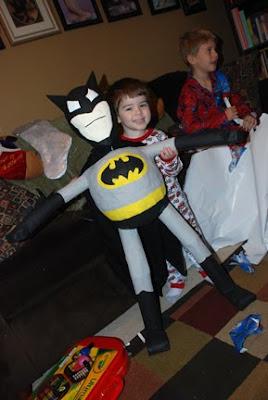 batman paper mache pinta