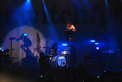 Switchfoot high jump in the air