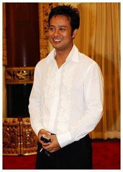 M y a n m a r H u n k s: Htoo Naing Lin