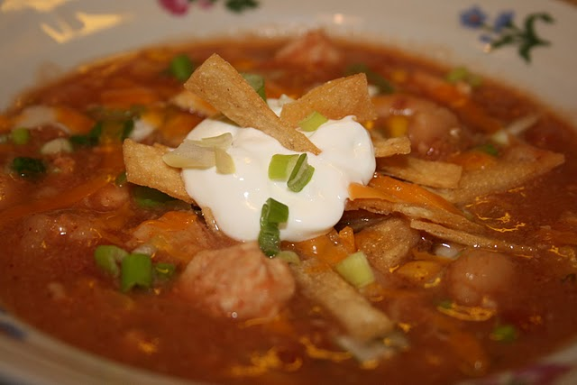 A classic chicken based chili made with white beans and loads of spicy goodness!
