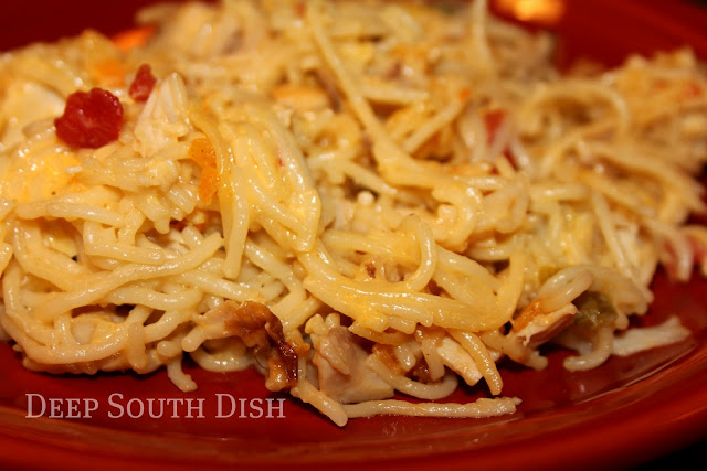 A well loved casserole dish, this chicken and spaghetti casserole made with chicken, cream soup, onion, garlic and Rotel diced tomato, is loaded with cheesy goodness.