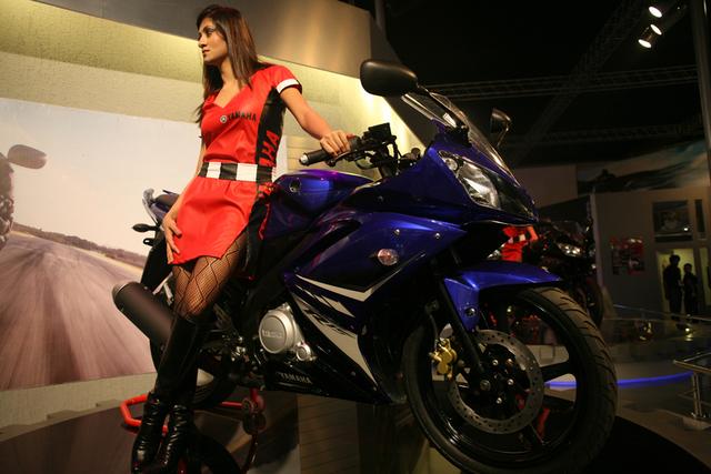 Modif Motor Yamaha Yzf R15 And Beautiful Girl Photo