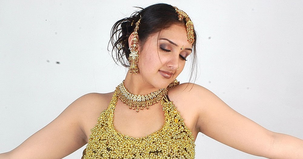 Sridevi Vijayakumar Cleavage: FILM ACTRESS HOT PICS: Sridevi Vijayakumar Hot Navel And