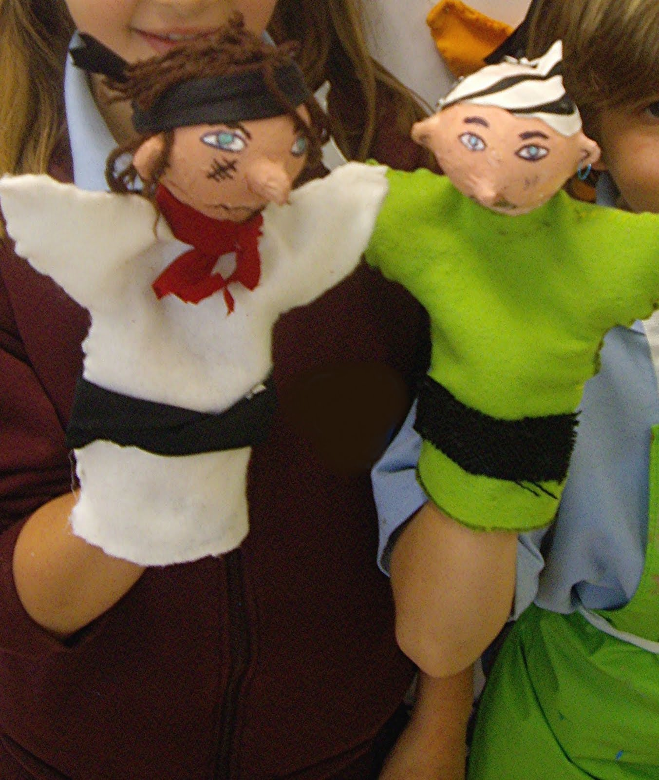 Use Your Coloured Pencils Pirate Hand Puppets