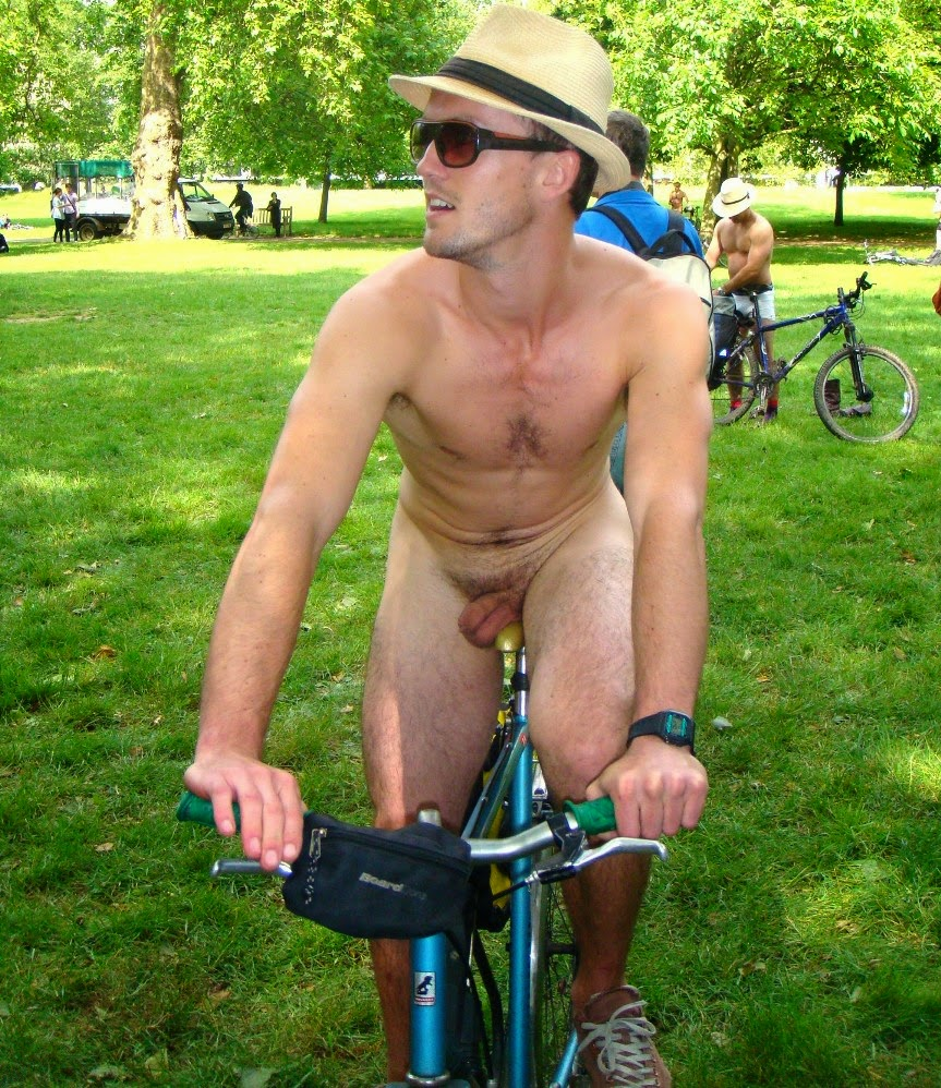 Sportsman Bulge Naked  Public Nude Cycling-1397