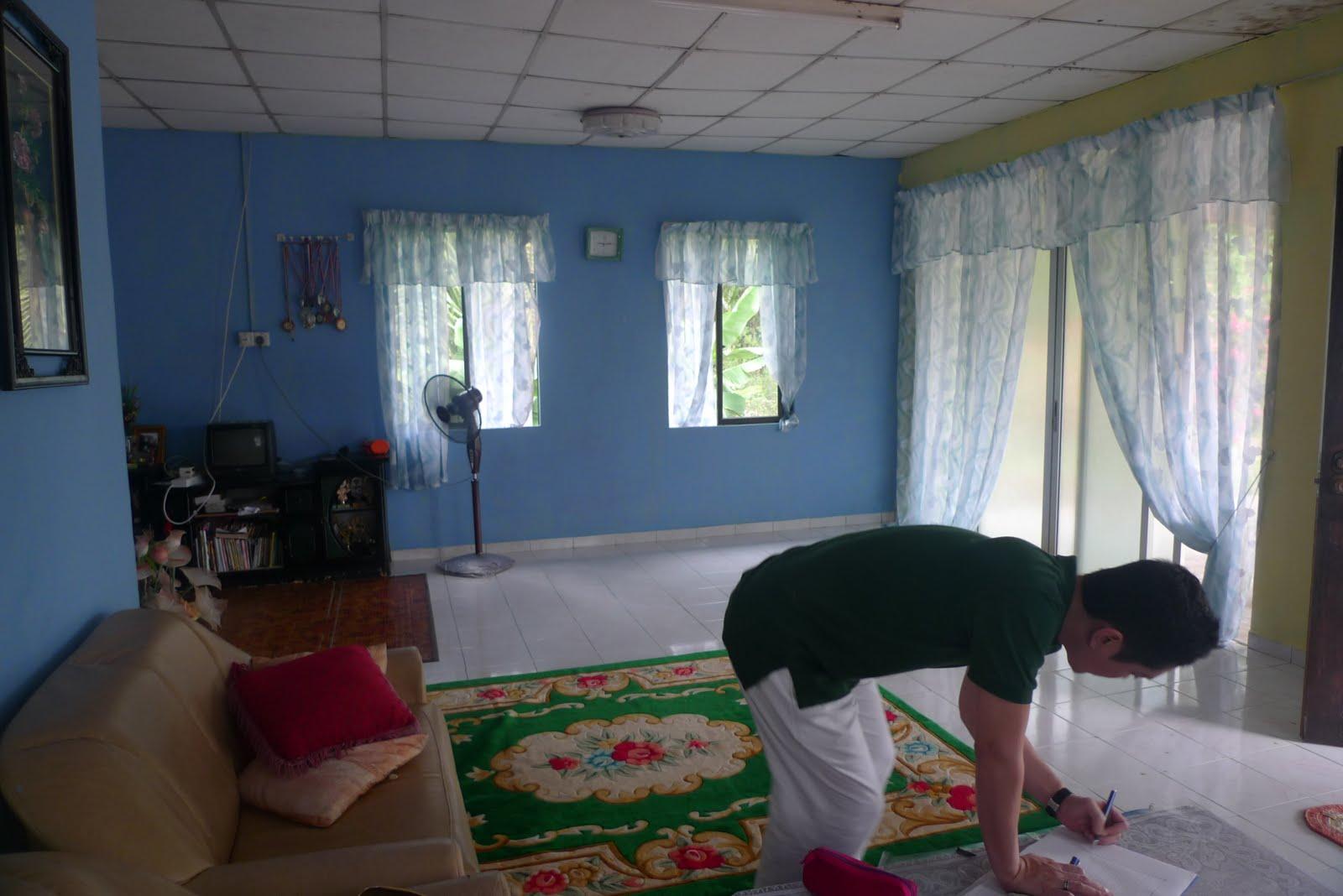 Hias Ruang Tamu Rumah Kampung  Desainrumahid.com
