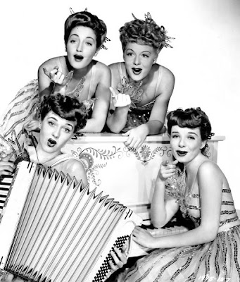 Accordian girls.