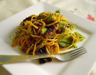 teriyaki  beef noodle salad