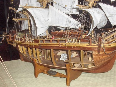 quinze marins sur le bahut du mort bounty model. Black Bedroom Furniture Sets. Home Design Ideas