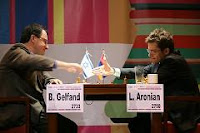 Gelfand gana a Aronian en la ronda 5 del Campeonato Mundial de Ajedrez 2007