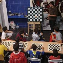 Con un tablero de ajedrez por Extremadura