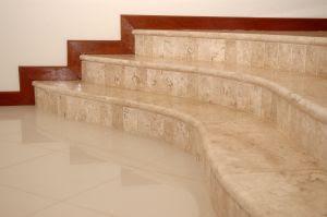 Combinar los colores de las paredes con los suelos - Poner rodapie ...