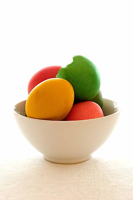 Uova colorate e un menù per Pasqua