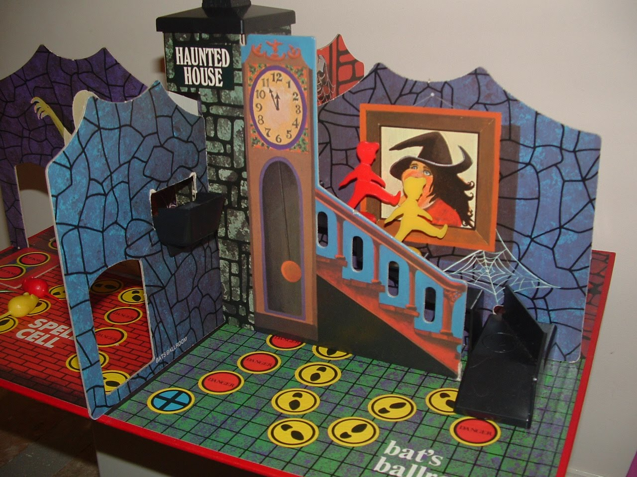 The Cobwebbed Room Denys Fisher Haunted House Board Game