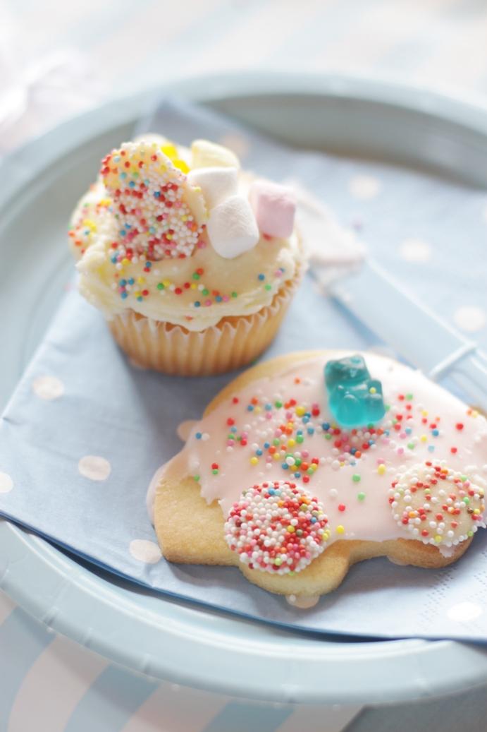 Hello Naomi Cupcake Cookie Decorating Party