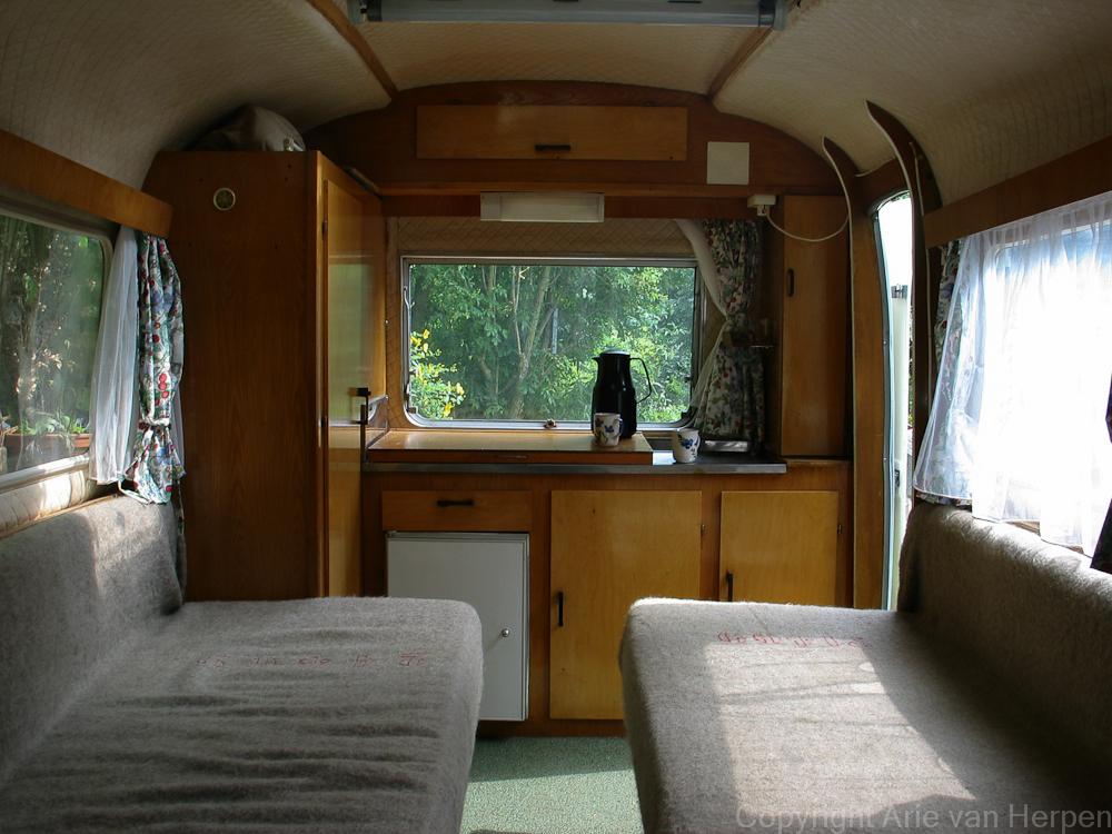 NB De caravan is een 37 jaar oude Biod Bambi ? technisch nog in